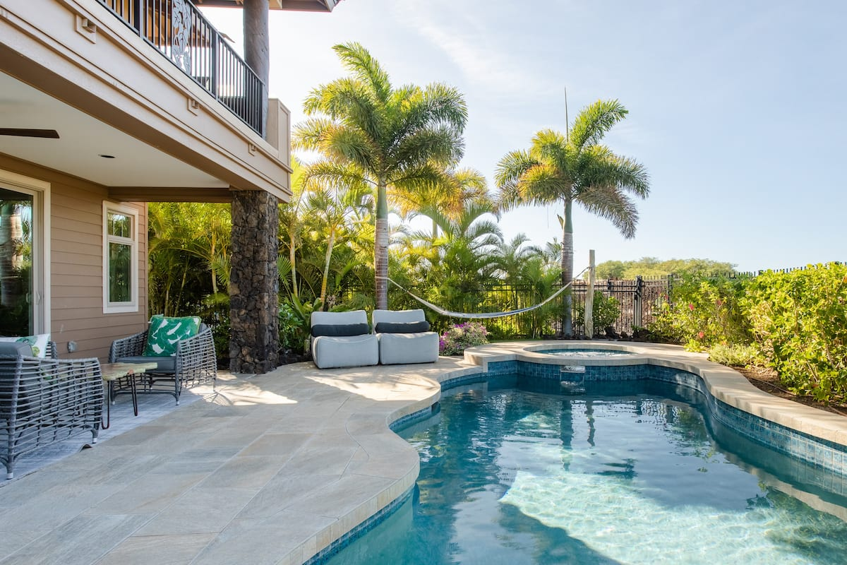 Sea Glass House at Kamilo with Private Pool and Spa