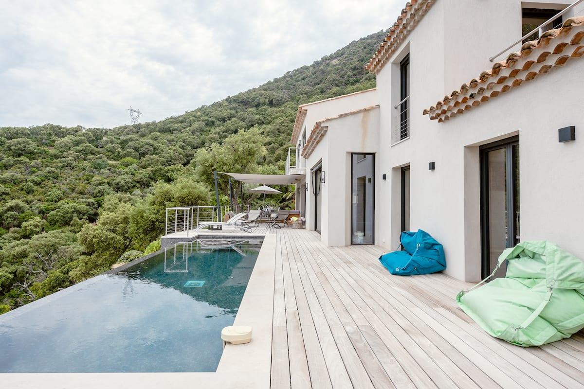 Villa haut de gamme avec vue panoramique exceptionnelle