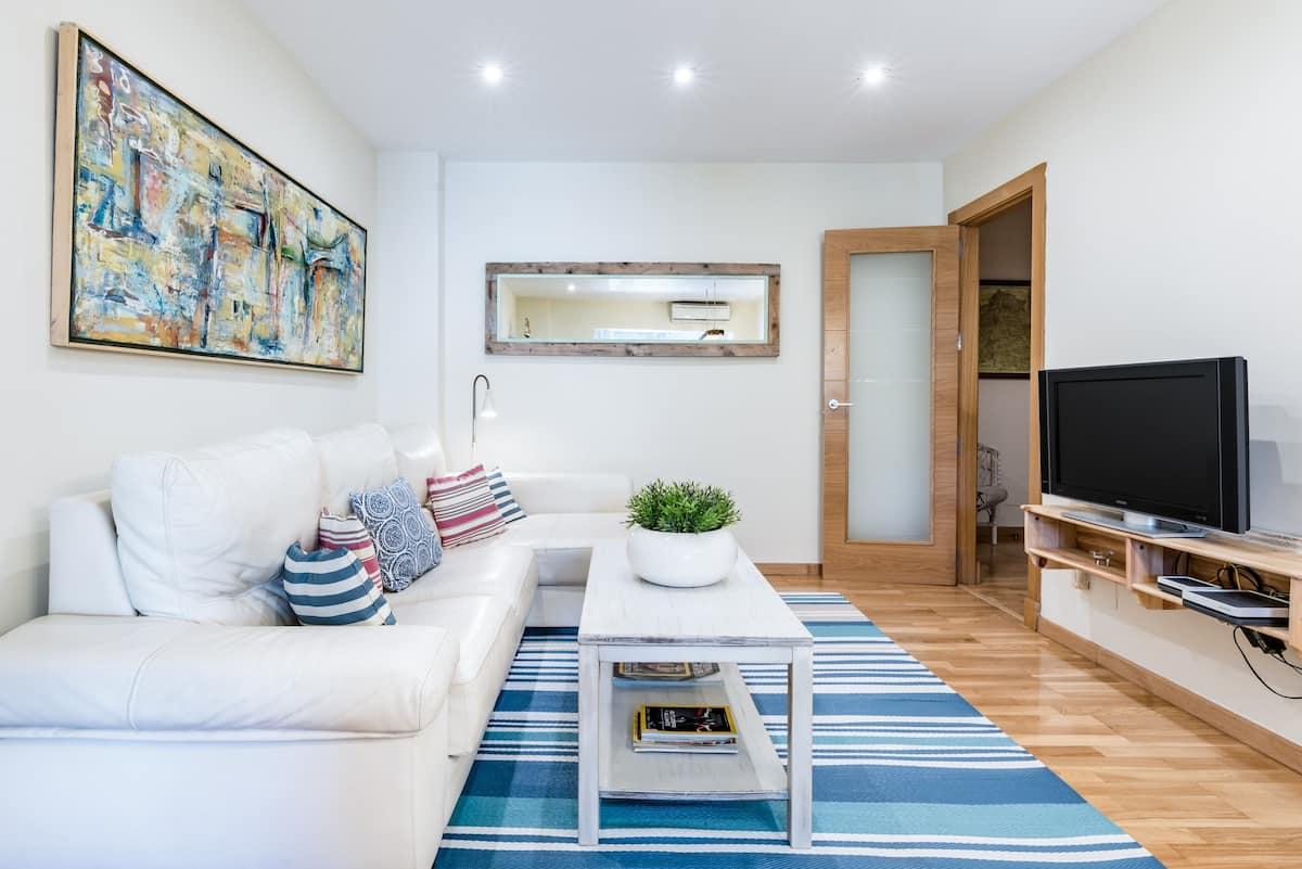 Descubre Málaga y su playa desde este apartamento en Pedregalejo con piscina
