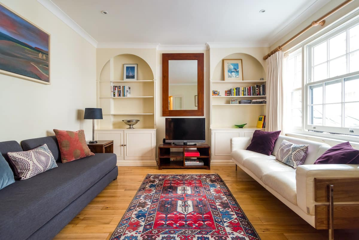 Charming Flat in a Private Mews in a Great Neighbourhood