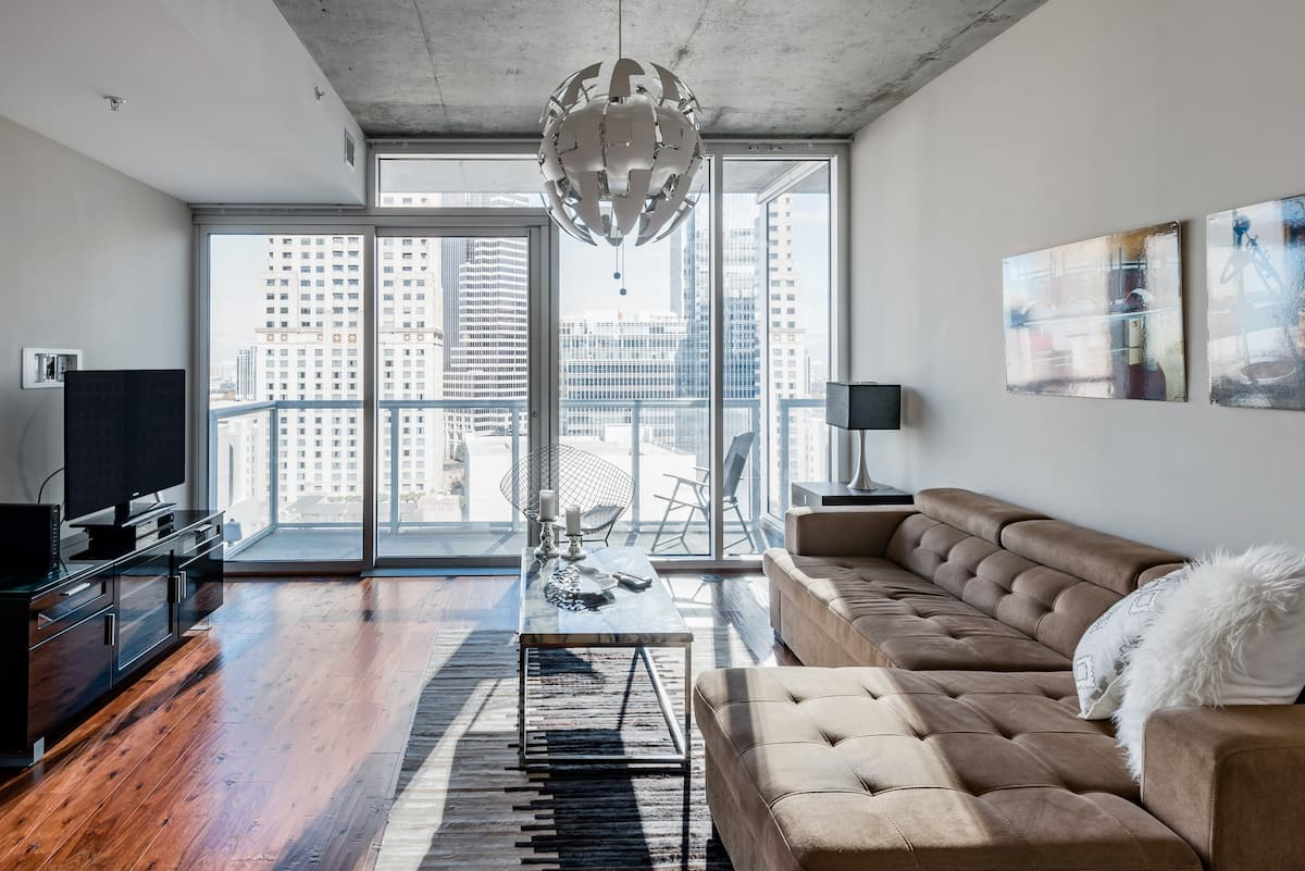 Modernist Midtown Luxury with Sky Views