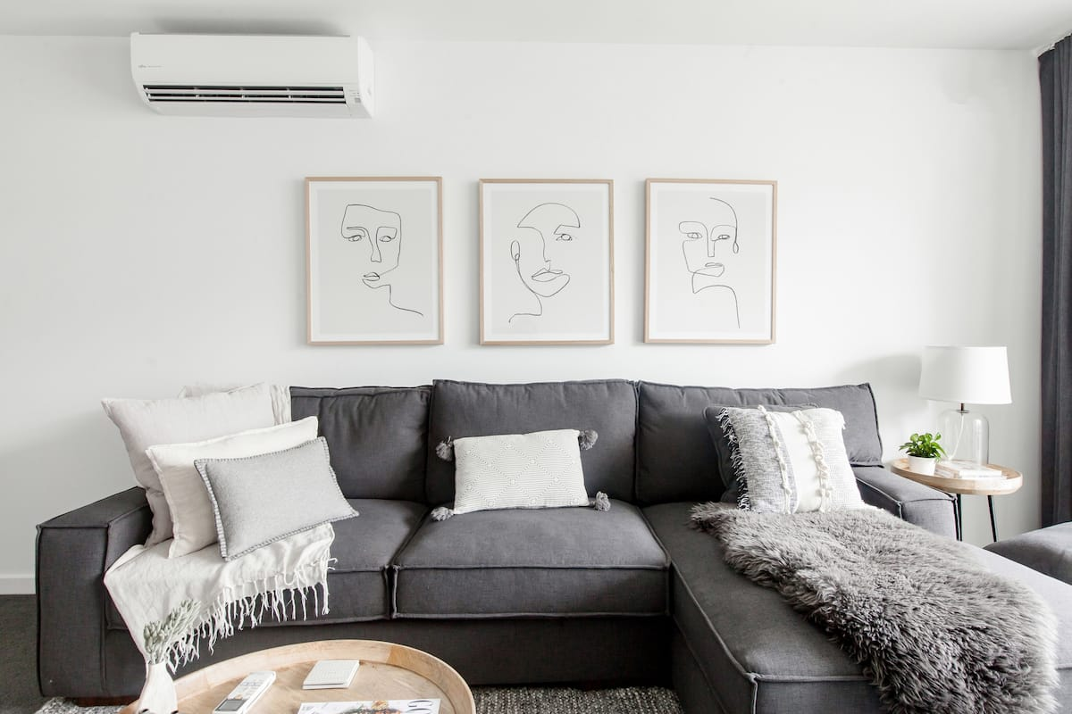 Chic Cooks Hill Apartment - Discover Newcastle.
