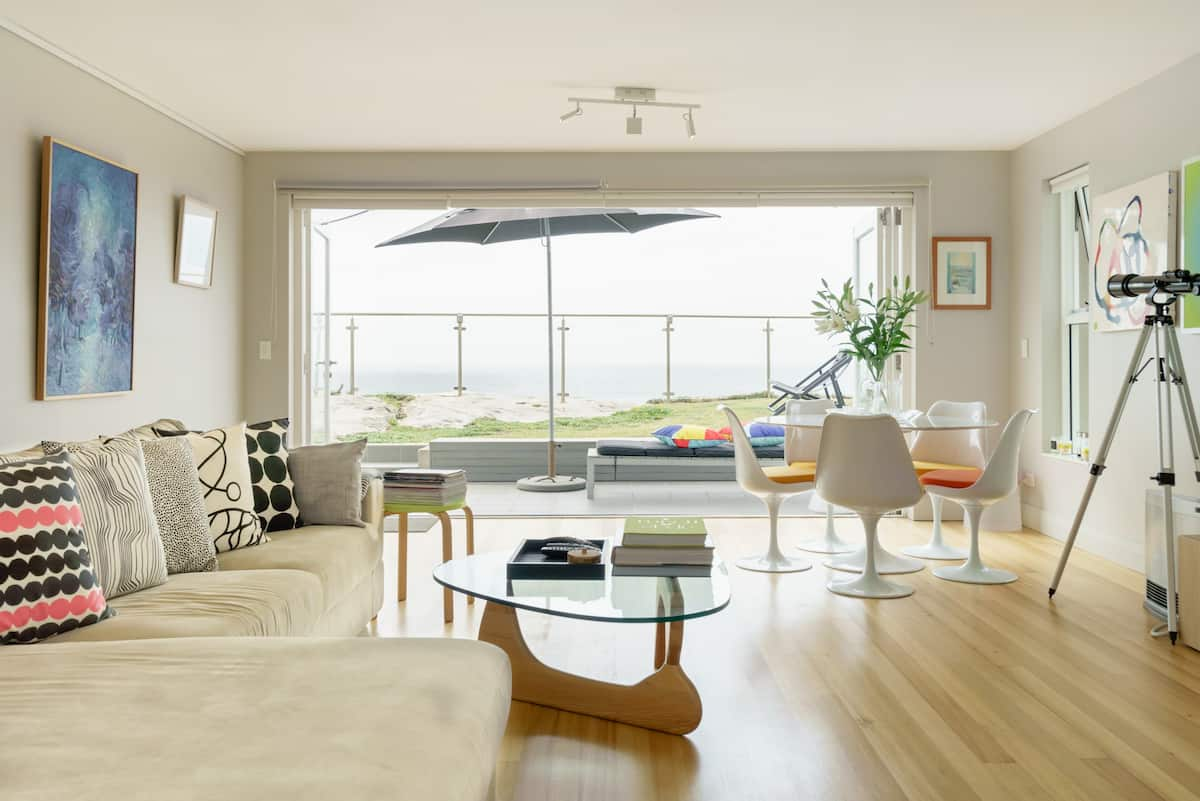 Living on the Edge - a Modern, Sunny, Oceanfront Home