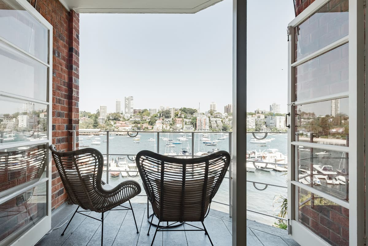 Sophisticated Harbourside Sanctuary with Spectacular Views