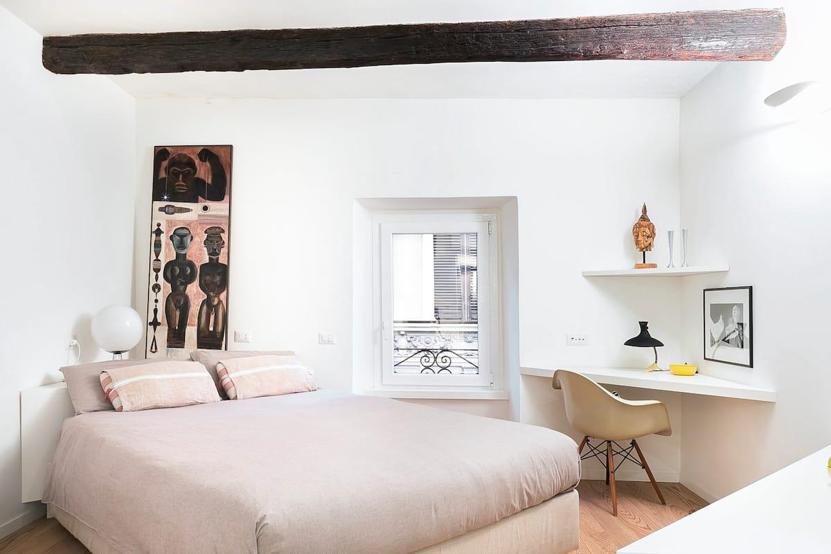 Romantic, Modern Studio near Torre Argentina