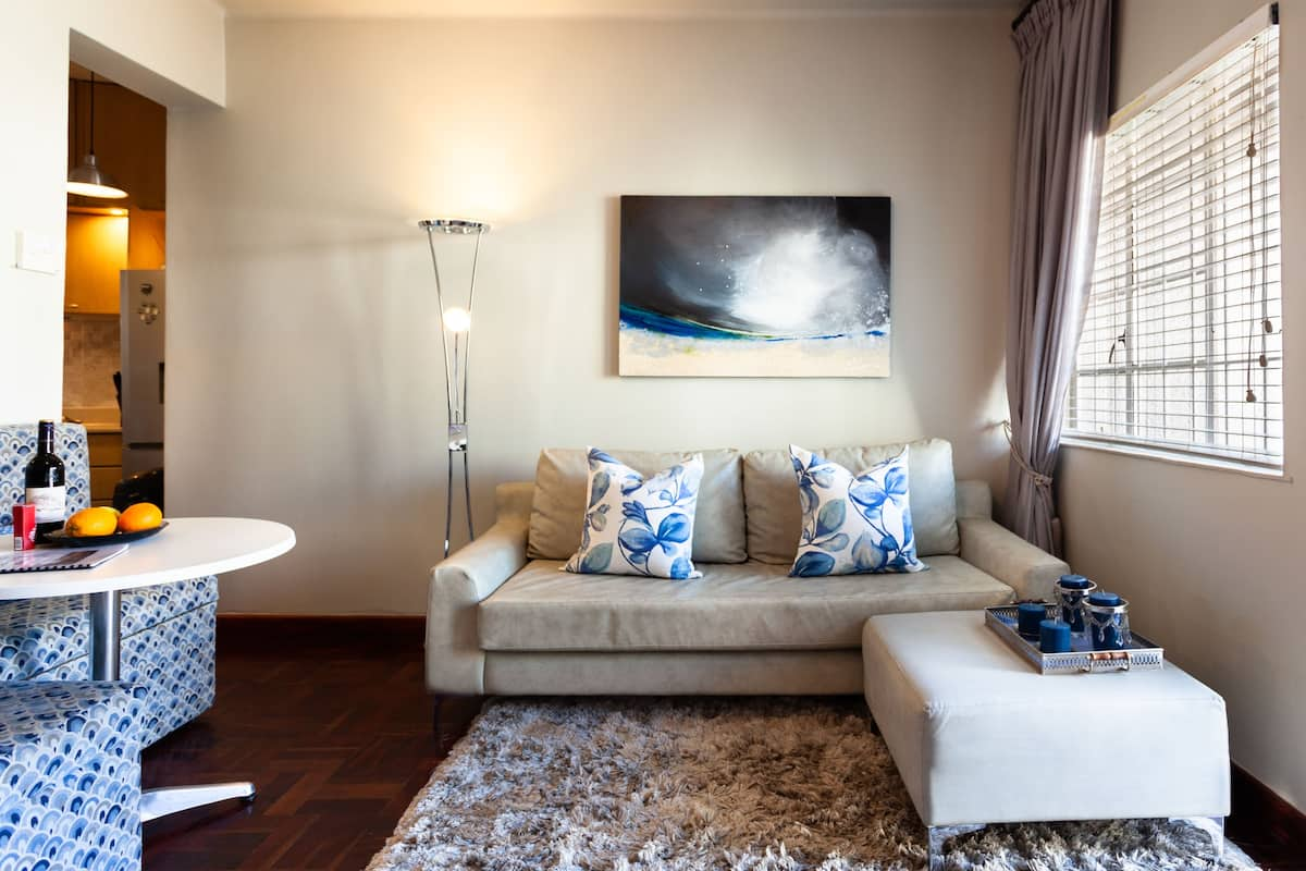 Stunning Studio Apartment with Sunny Garden in Sea Point