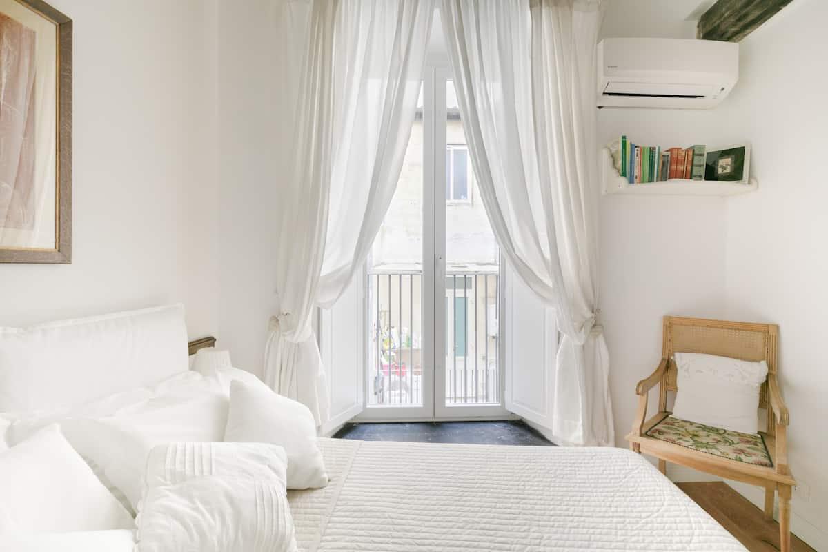 Paradise Suite, scopri Campo de' Fiori da un bilocale shabby chic