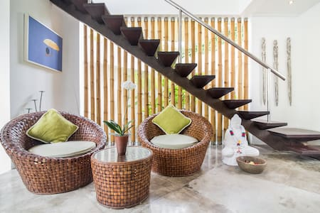 Recharge in a Luxurious Tropical Retreat