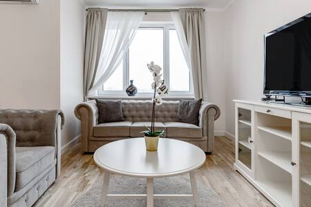 Relaxed High-Rise Apartment near Izmailovsky Park