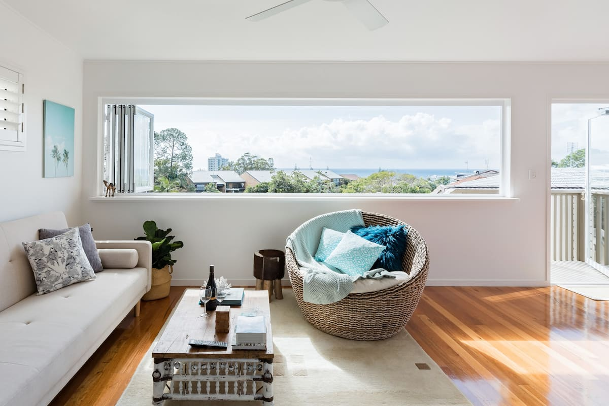 Private Hideaway with Sea Views in Alexandra Headland