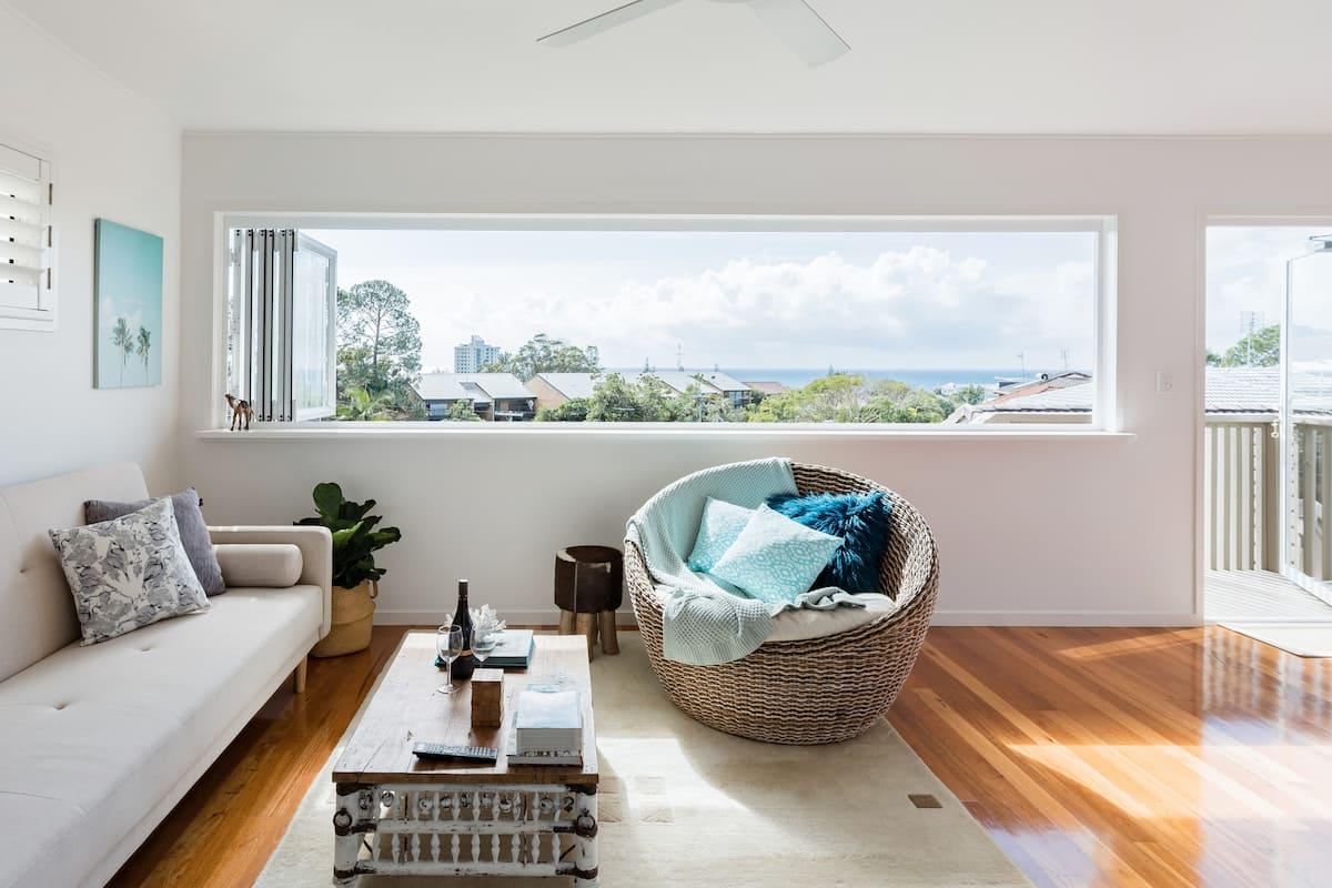 Designer Private Apartment, Close to Beach with  Sea Views