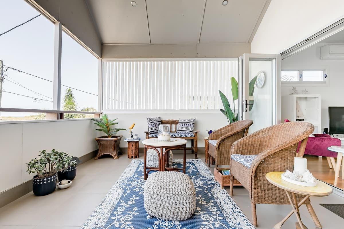 Contemporary Bayside Home with Nautical Influences