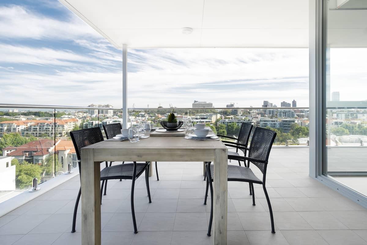 Minimalist Penthouse Condo with Skyline Vistas