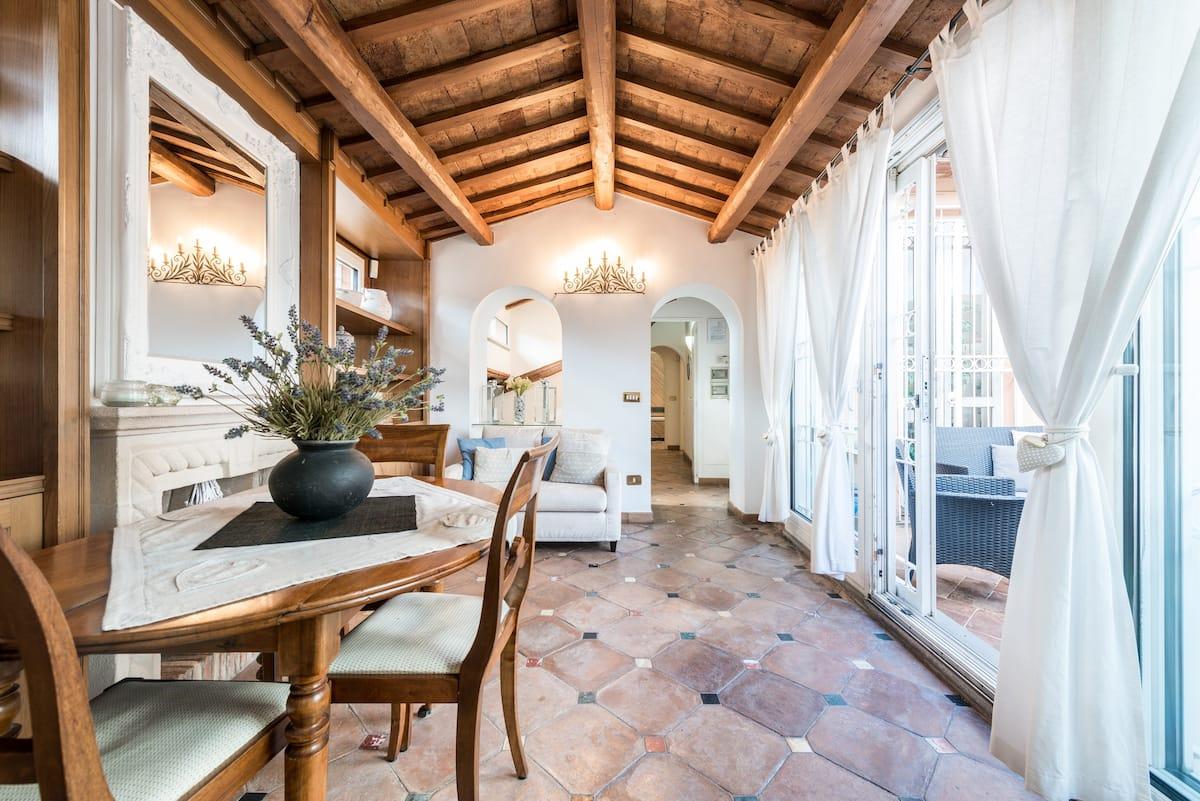 Appartamento con Terrazzi Vicino a Piazza Navona