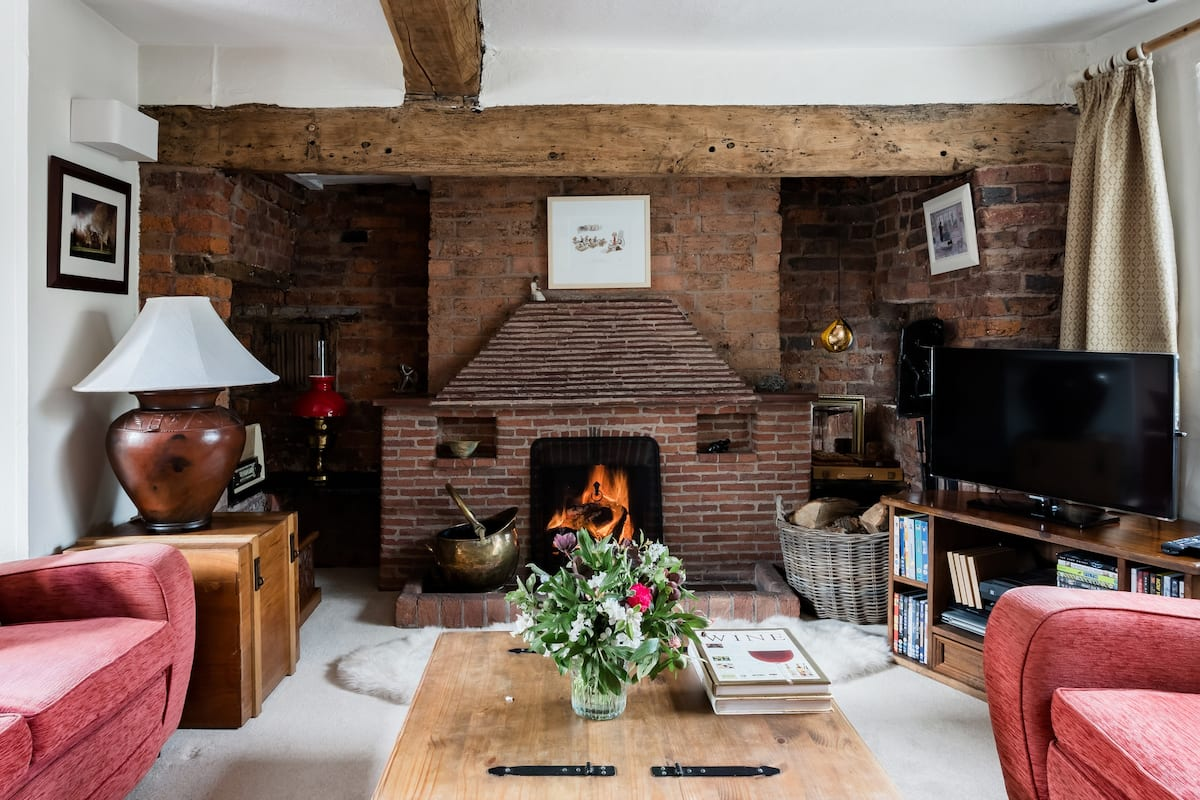 Experience Country Living at a Homespun English Retreat