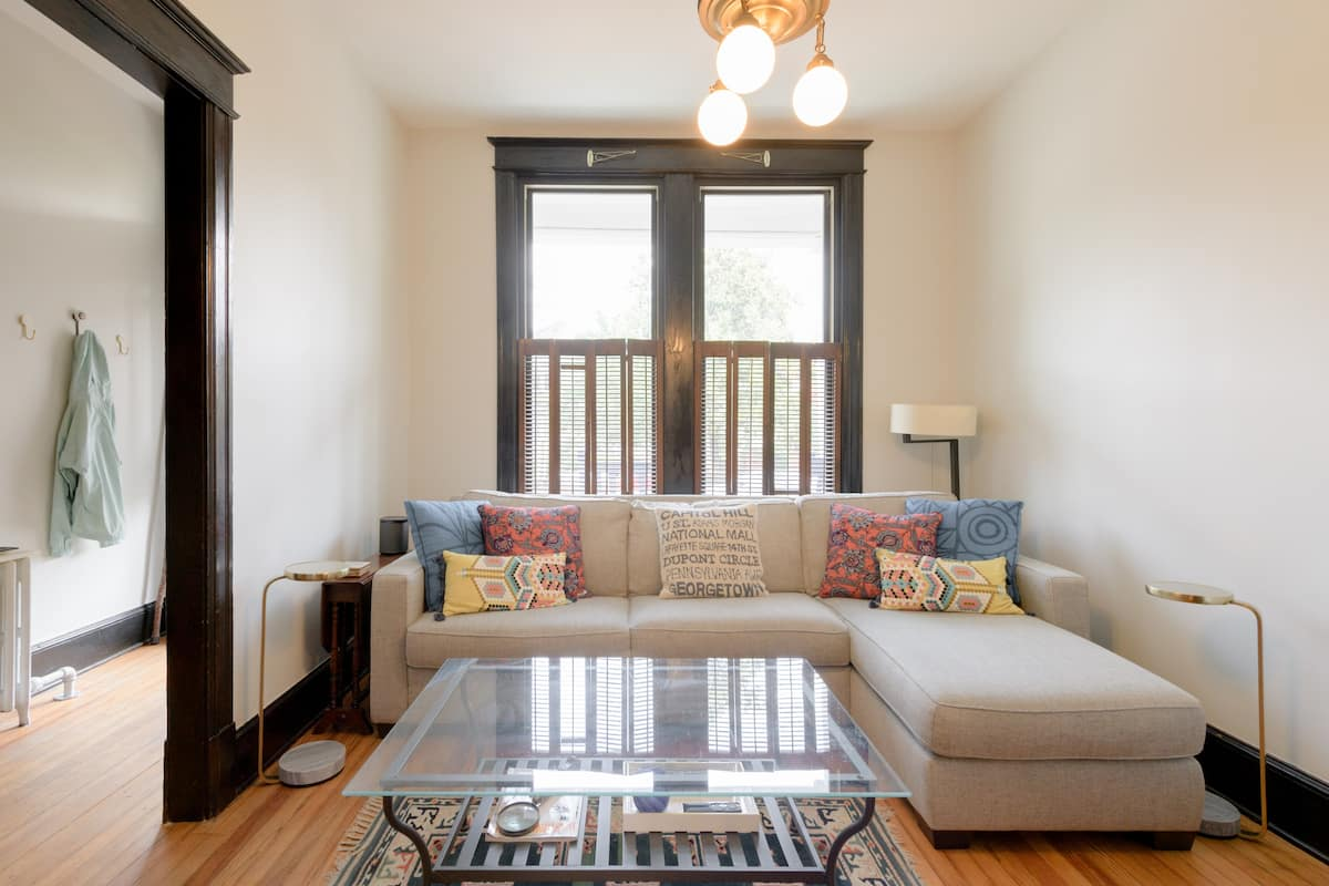Explore DC from an Updated Capitol Hill Home