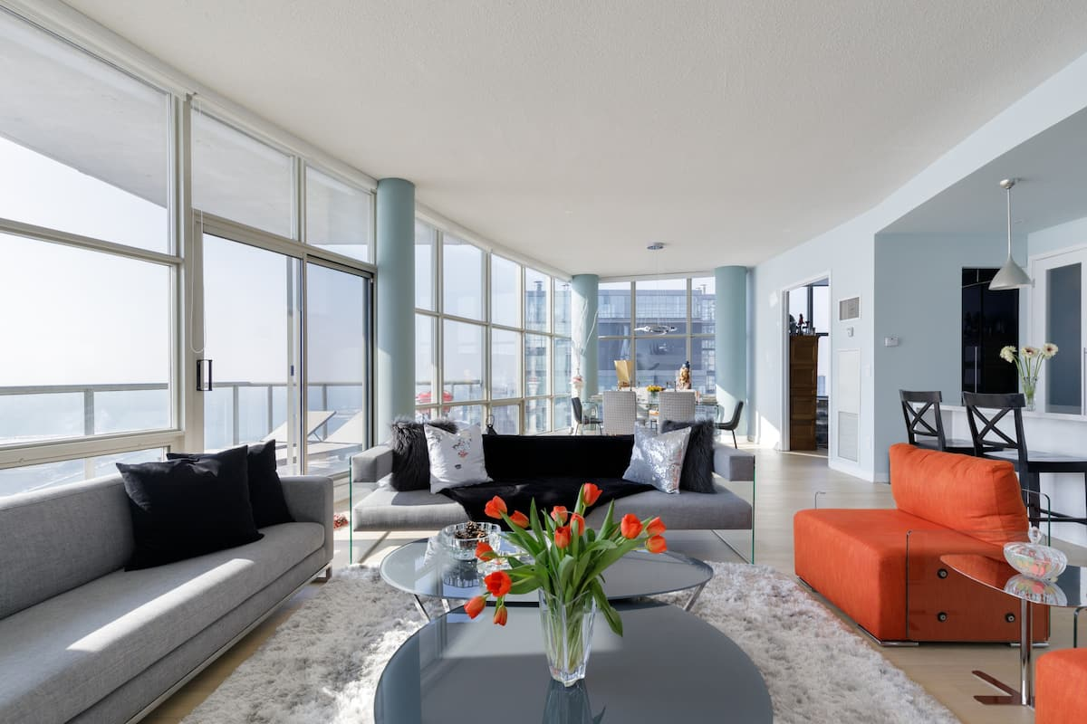 Windows Galore in Modern Apartment near Waterfront