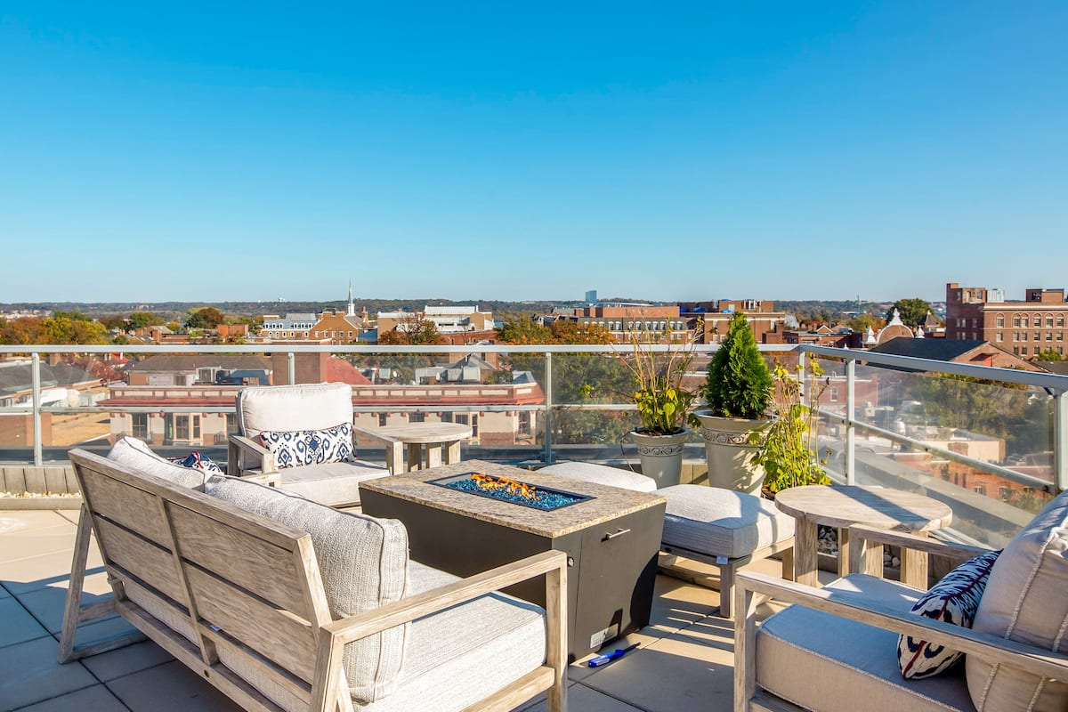 Stay at the Alexander in Old Town and Enjoy Our Rooftop Deck
