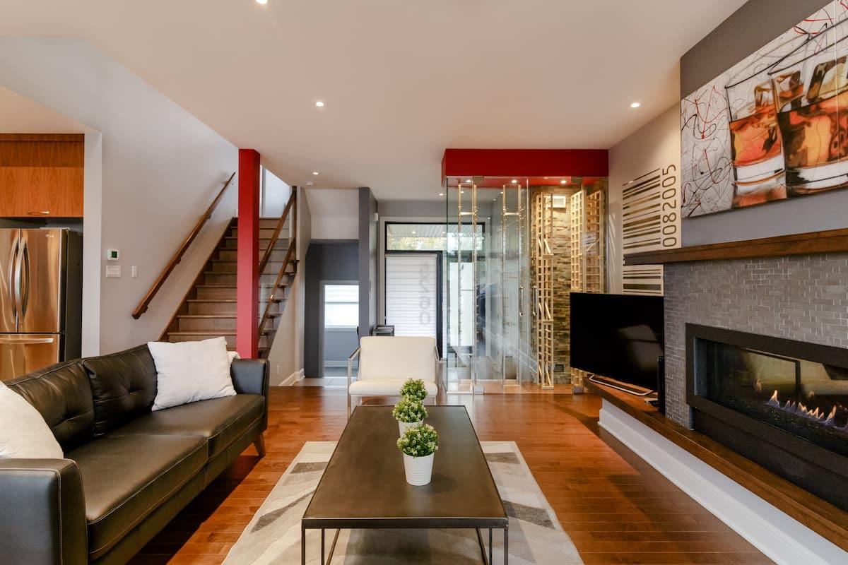 Grande maison à Montréal avec piscine