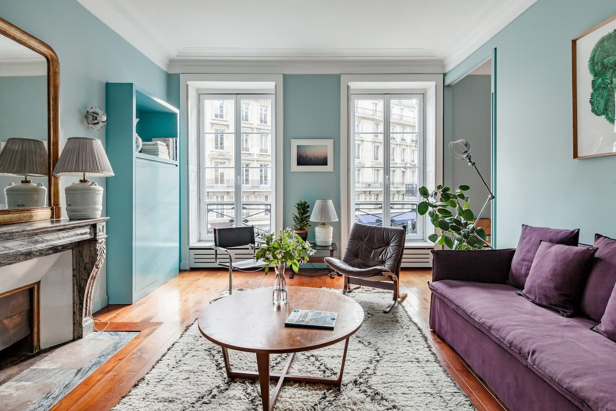 Radiant Apartment Steps from The Louvre