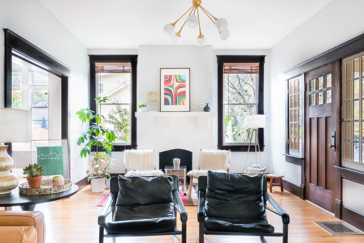 Explore Music Row at a Charming '20s Bungalow in 12 South