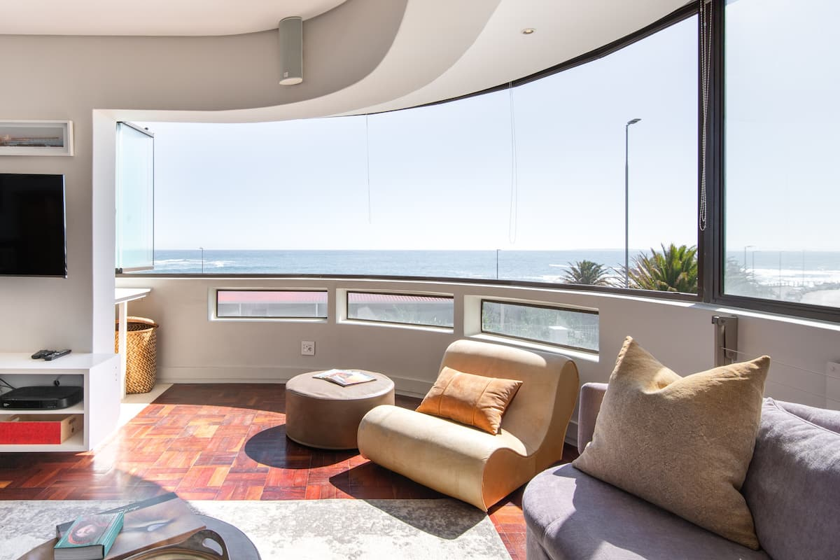 Sea View Kingsgate Apartment on the Promenade