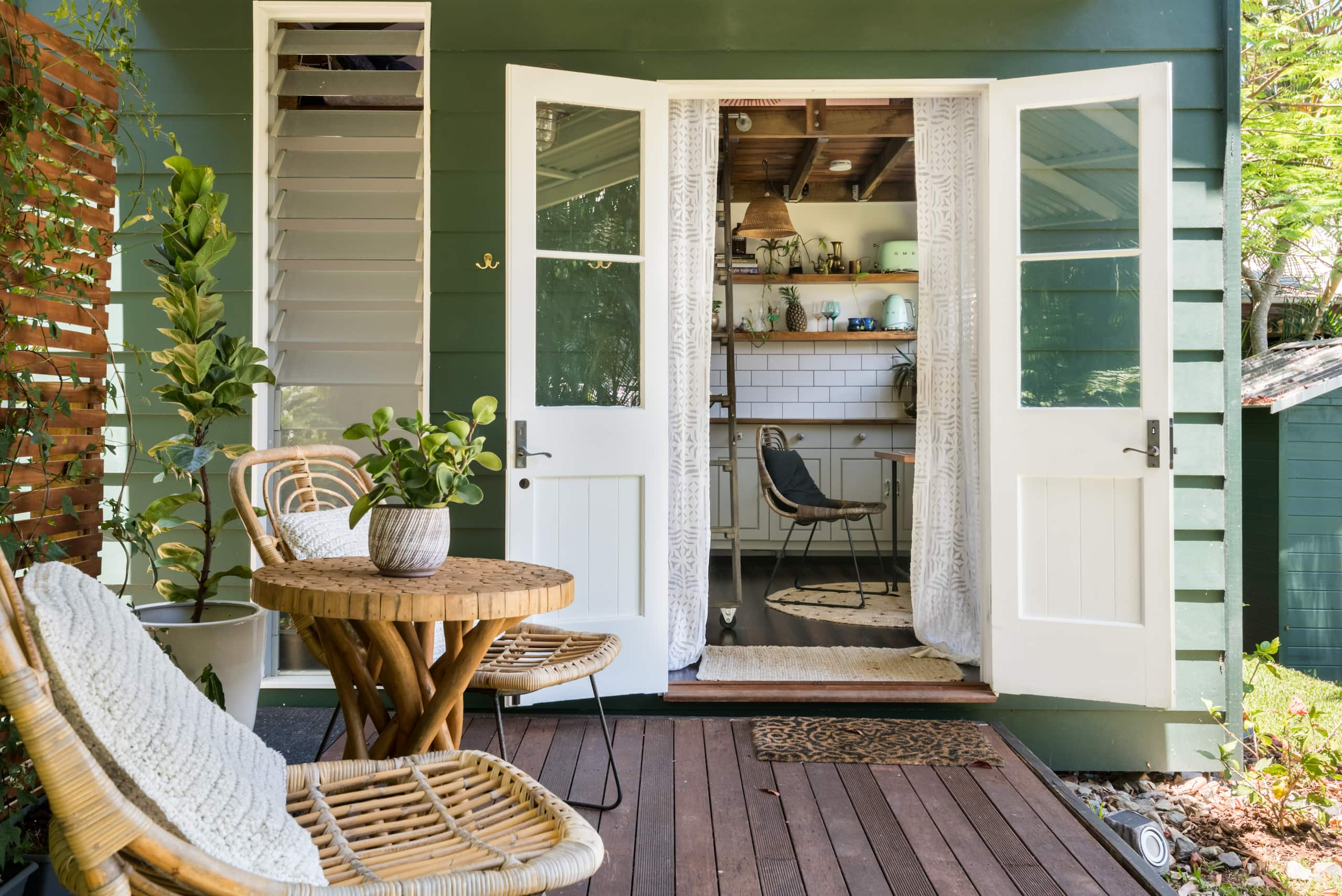 Hale Douglas, Experience the Charm of Tiny House Living - Tiny