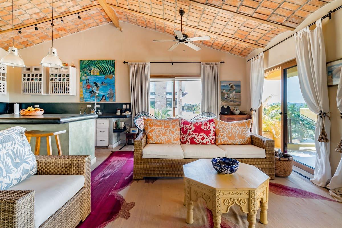 Vibrant Tropical Hideaway in Litibu
