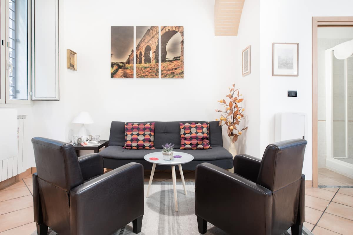 Maria Teresa's House—Quiet Apartment near Termini