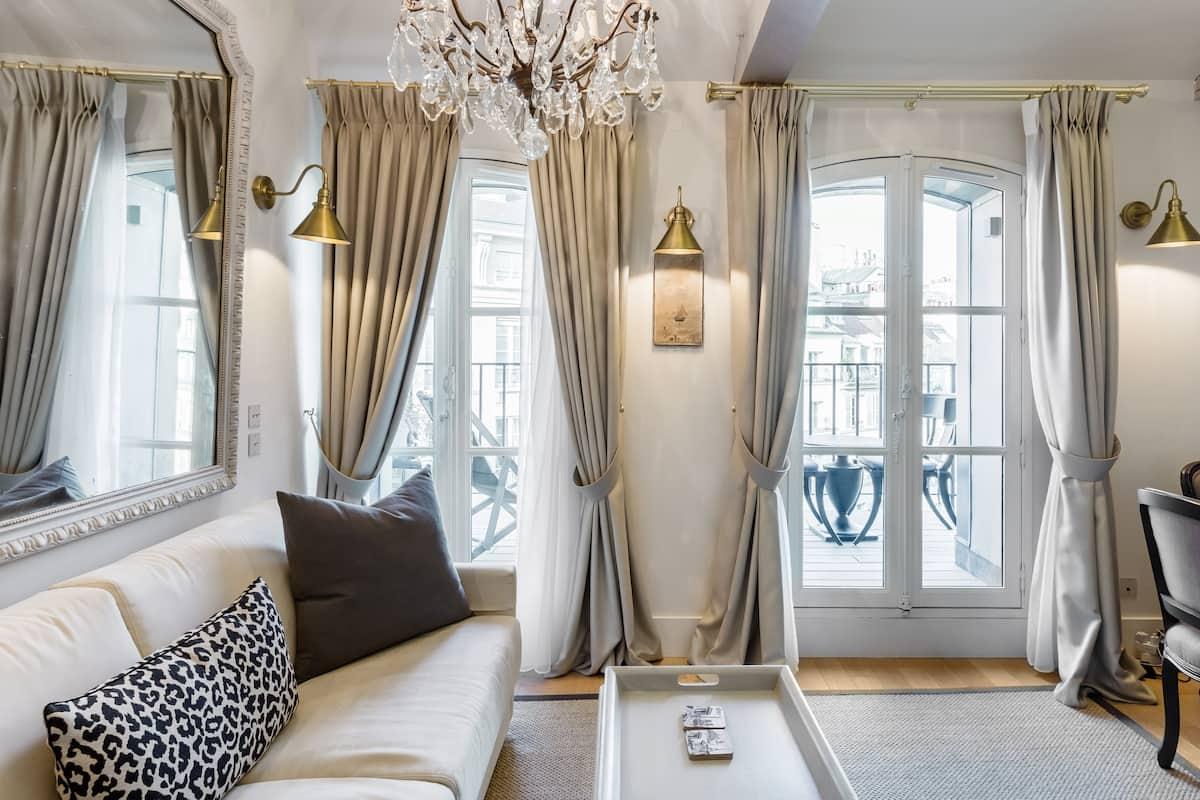 Sale Regal Penthouse with Terrace Beautiful Place Dauphine