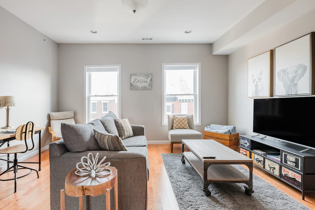 PhillyLIFE—Capacious Central Condo Near Rittenhouse Square