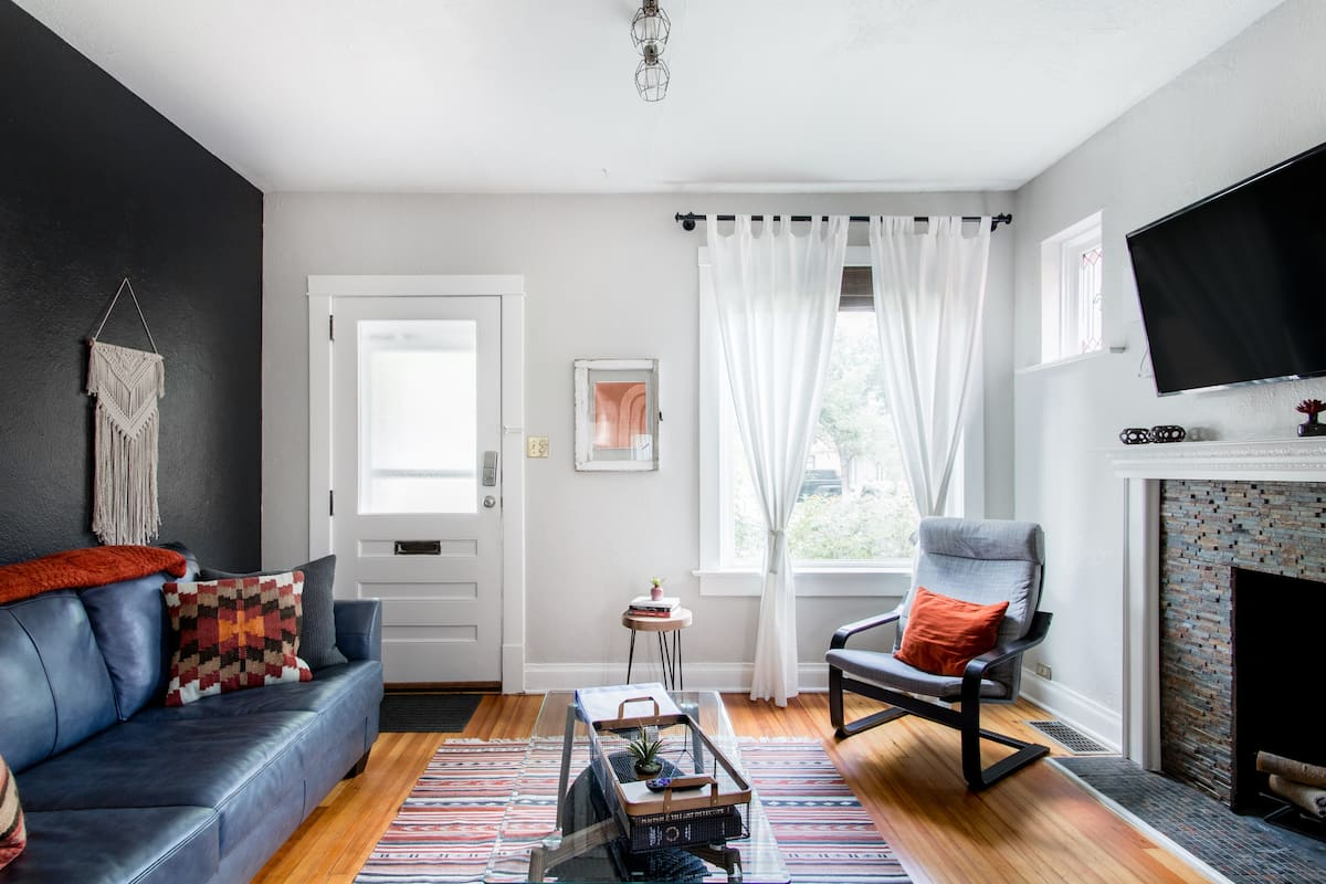 Walk to Wash Park or South Broadway In This Trendy Home.