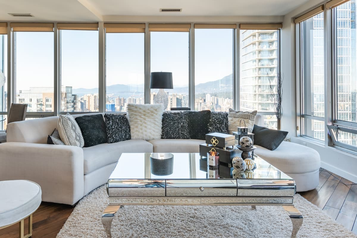 Sub Penthouse Sophistication in the Heart of all the Action
