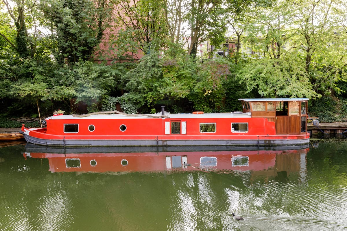 Live the Dream on Secluded Designer Houseboat in Kings Cross