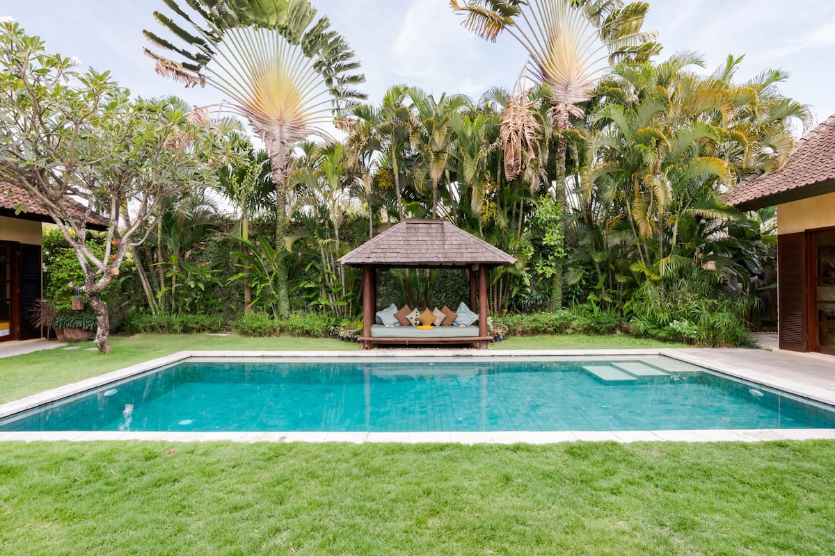 Entertain Guests and Relax at a Villa in Seminyak