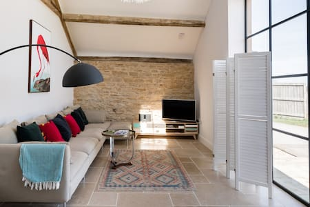 Explore Rural England from a Lavish Converted Barn