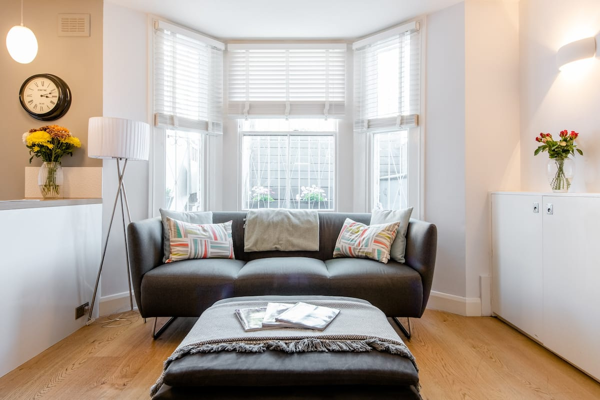 Wander to the Canal from a Tranquil Maida Vale Garden Flat