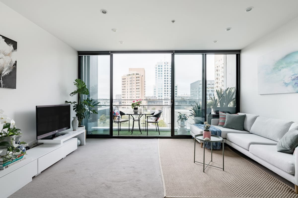 Central South Yarra Apartment by Vogue Shopping Plaza