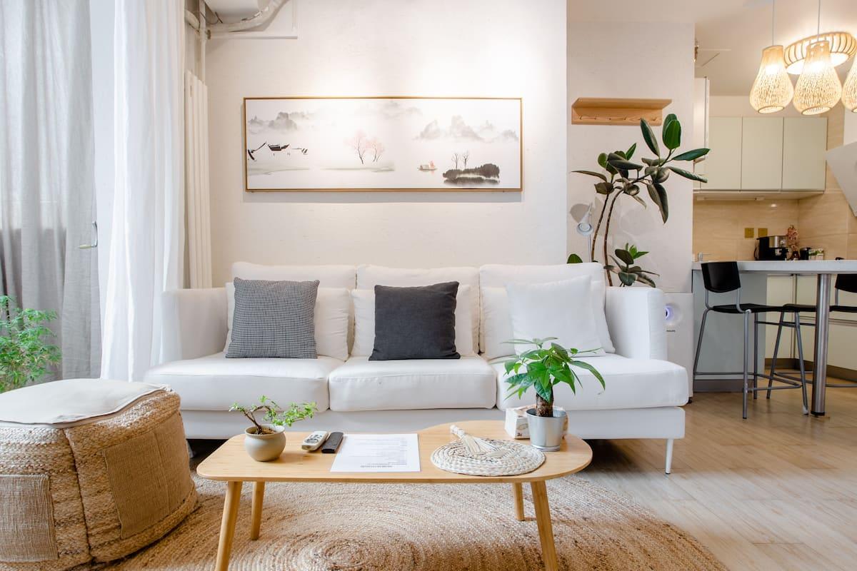 团结湖地铁旁紧邻三里屯设计师高质感日式独立一居室