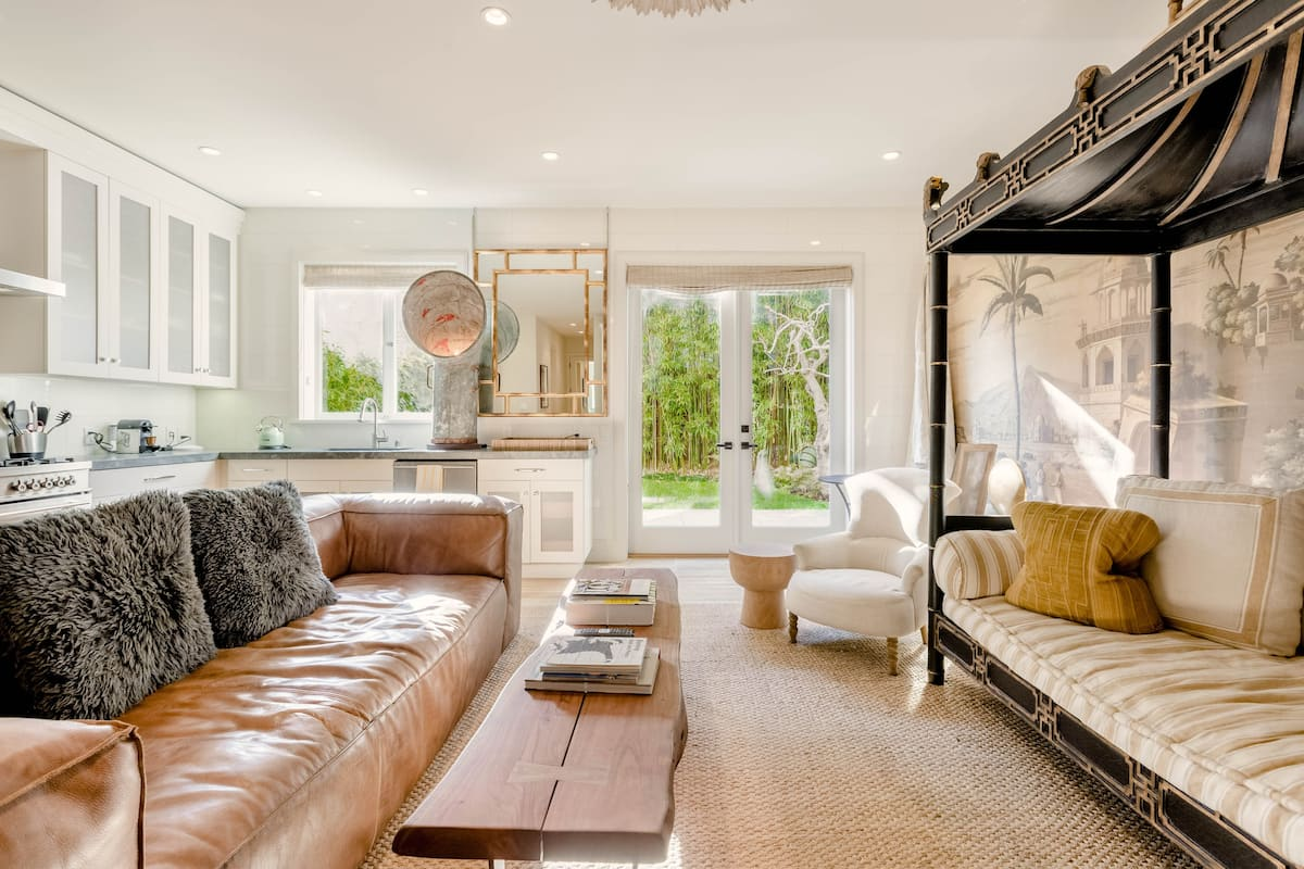 Elegant Designer Home with Yard in Cow Hollow