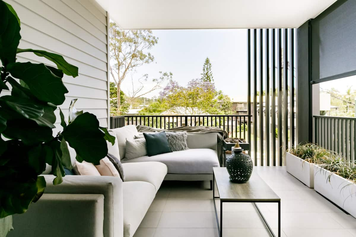 Eclectic Design Apartment with BBQ Patio