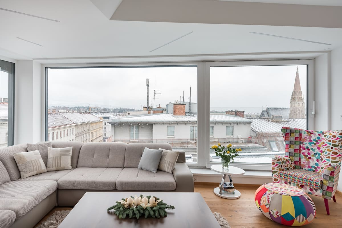 Minimalist Corner Penthouse with Panoramic Skyline Views