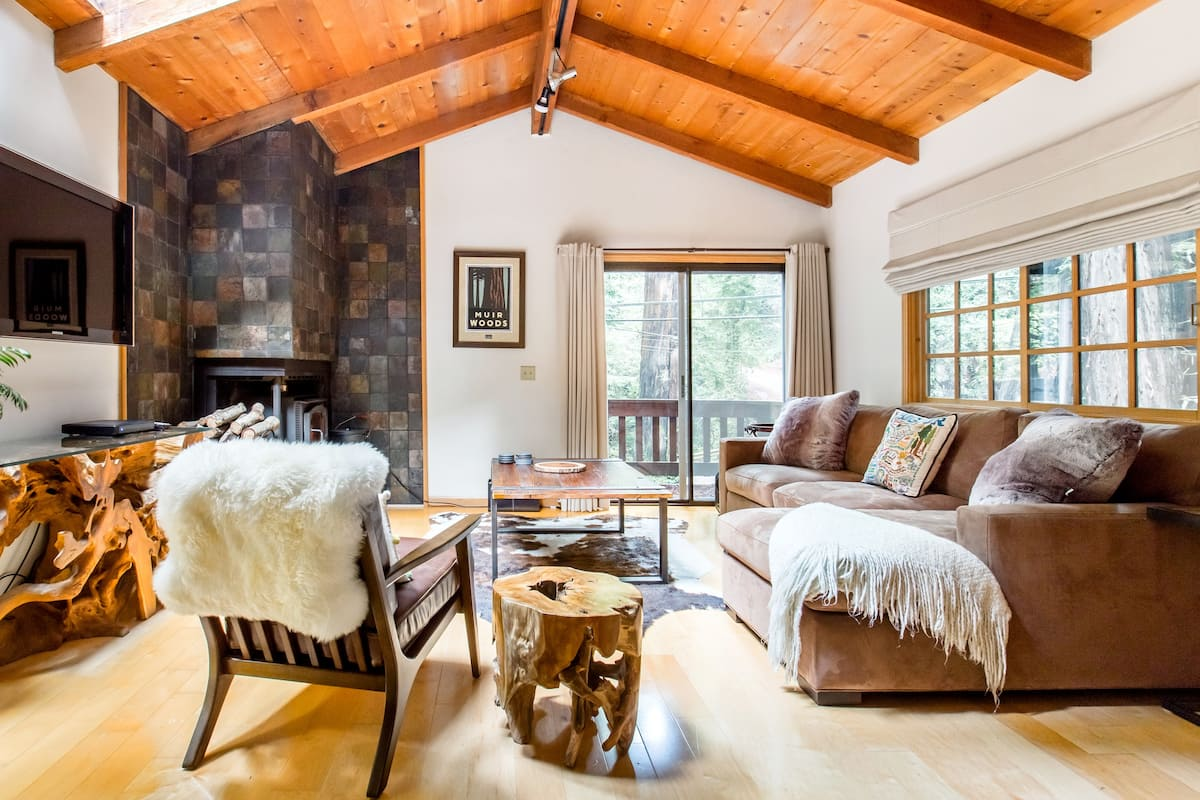 Enchanting, Airy Cabin Nestled in a Forested Canyon