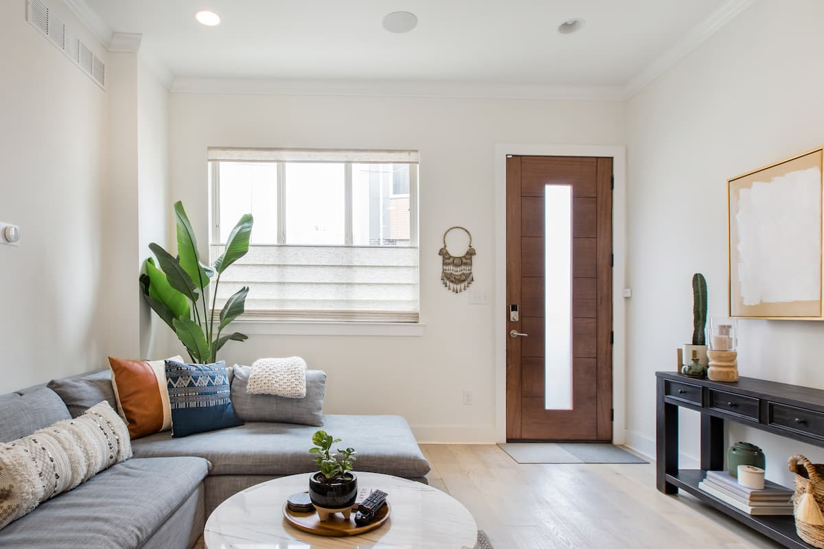 Comfortable and Quiet Space in Point Breeze Townhouse