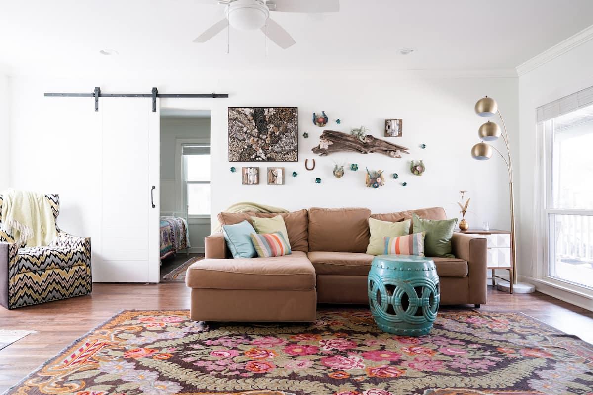 Lucky House Artist Bungalow Retreat