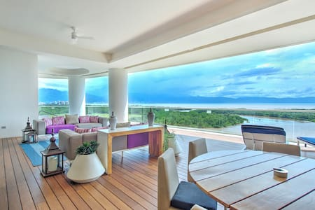 The Grand Luxxe Four Bedroom Residence Oceanview