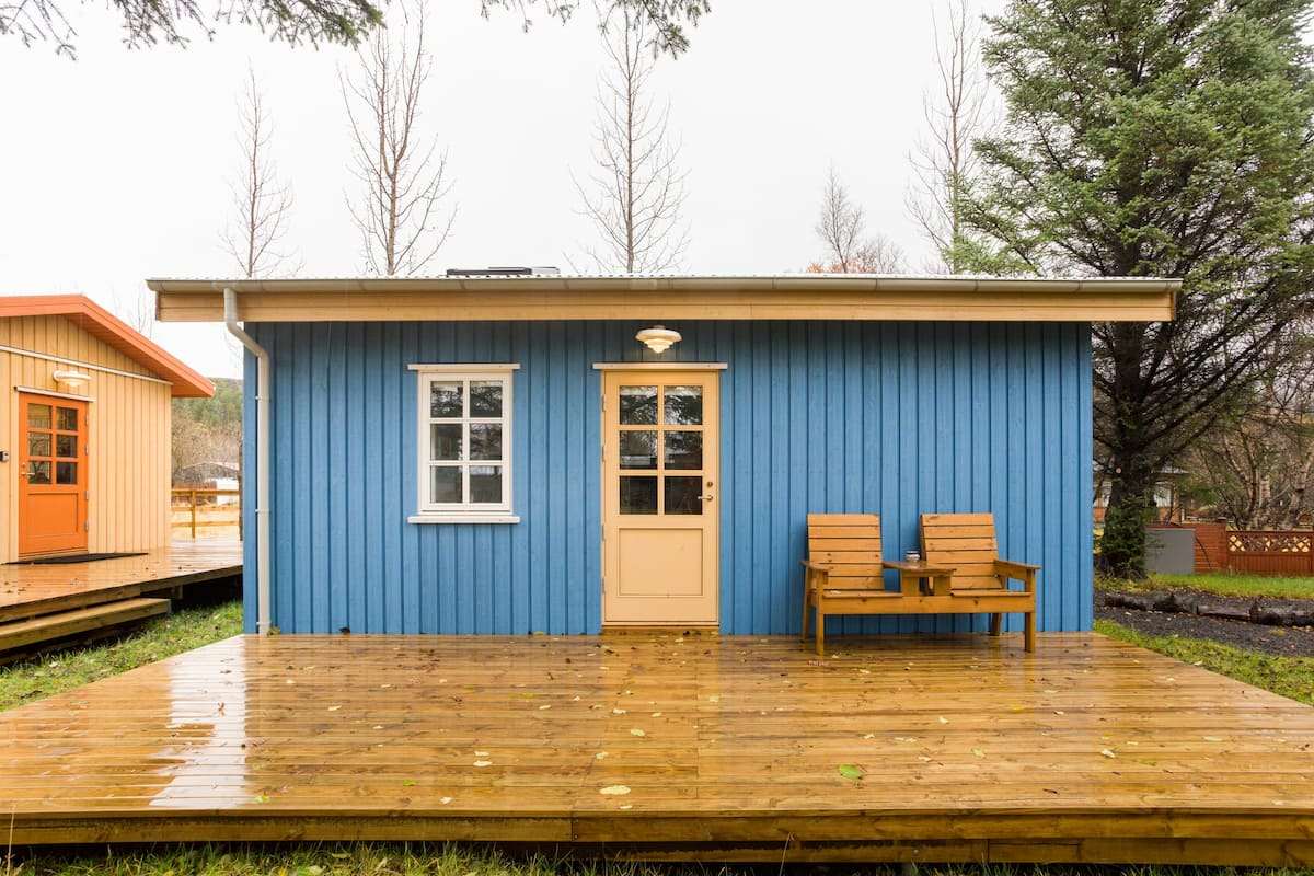 Explore Hot Springs and Lava Fields from a Backyard Cottage