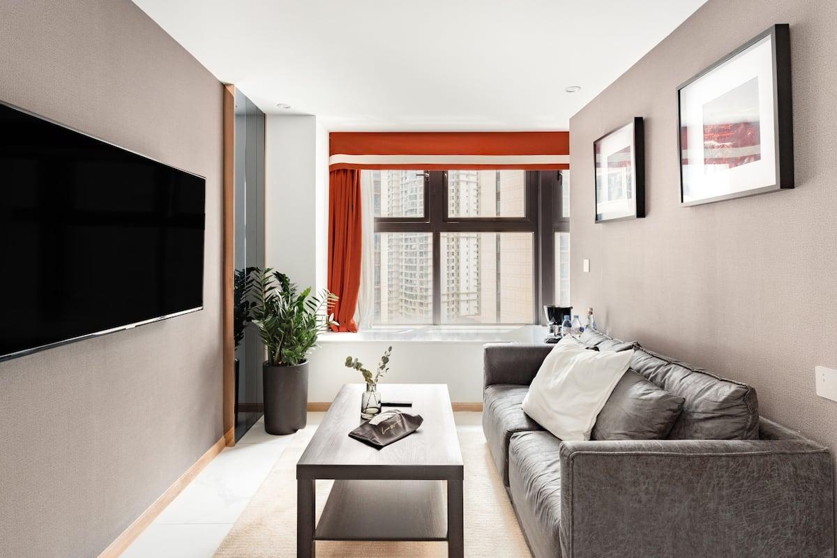 好友出行/市中心旋转楼梯现代复式公寓,近九眼桥兰桂坊