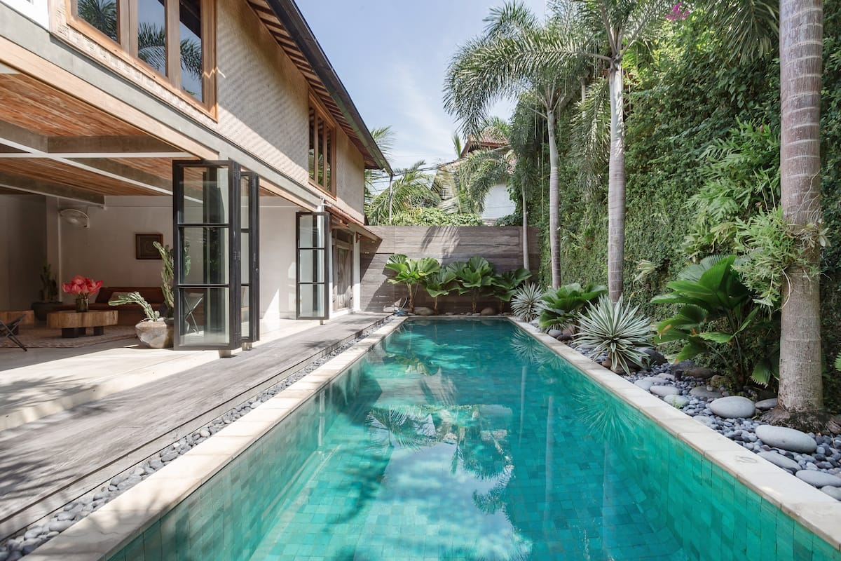 Beachside House - Private Pool & Tropical Garden in Seminyak