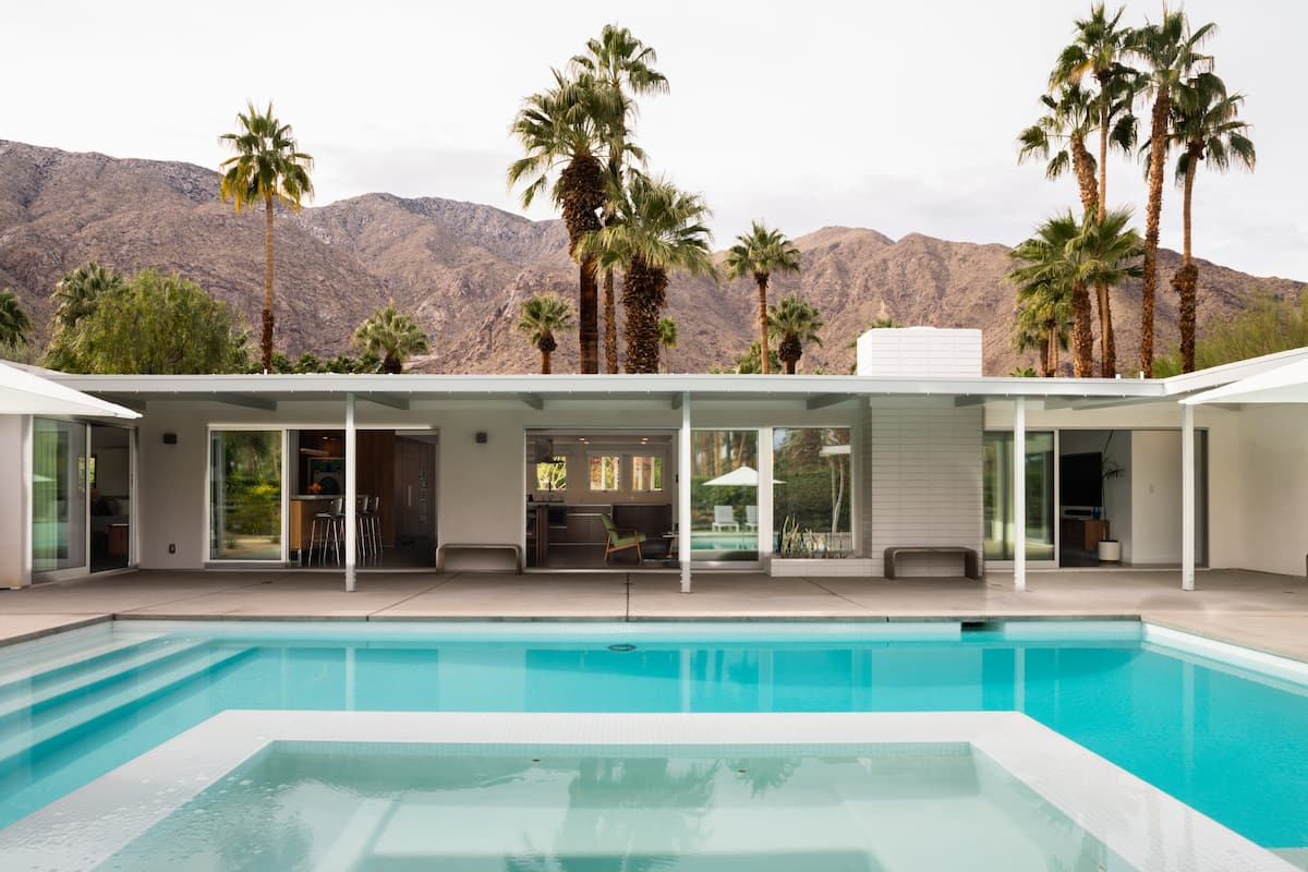 Mid-Century Modern Estate in Vista Las Palmas